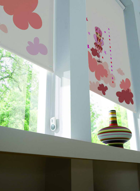 Dise o cortinas roller shadesign for Cortinas para cuartos infantiles