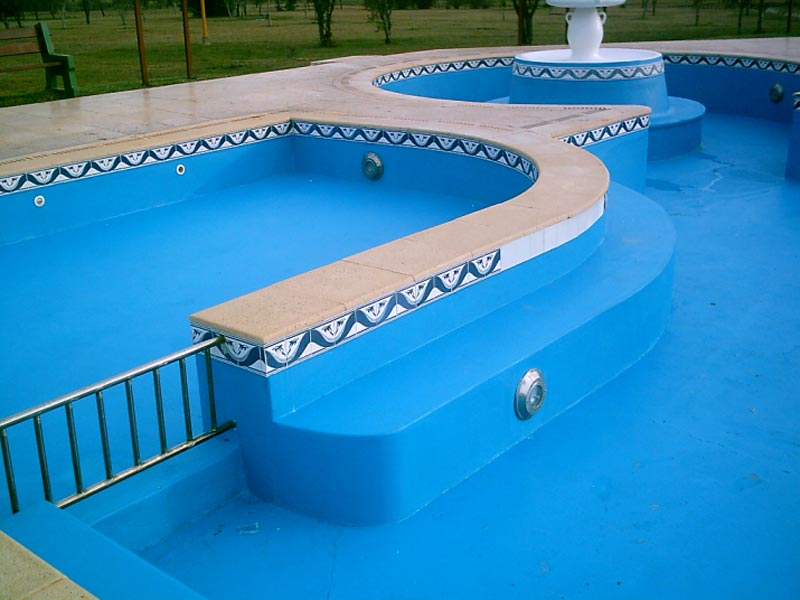 Caucho para piscinas materiales de construcci n para la for Materiales de construccion piscinas