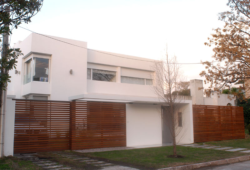 Proyecto vivienda unifamiliar en for Modelo de fachadas de viviendas