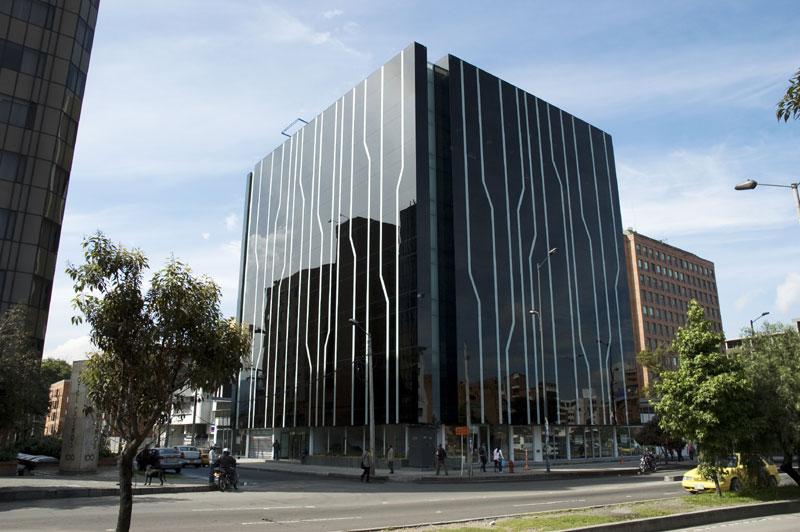 Proyecto edificio corporativo ayasha for Empresas de construccion en bogota