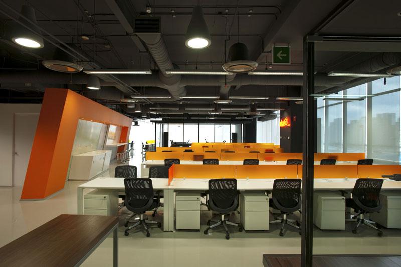 Proyecto oficinas corporativas for Diseno oficinas industriales