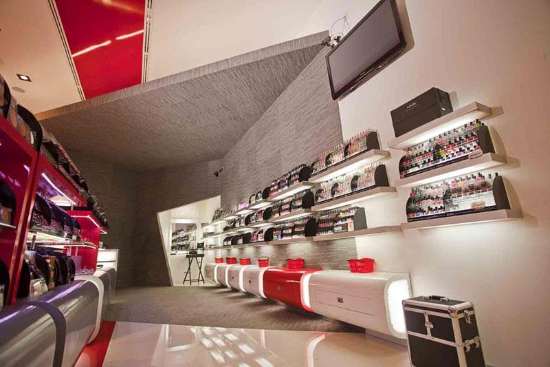 Proyecto tienda bell sima for Master en arquitectura de interiores