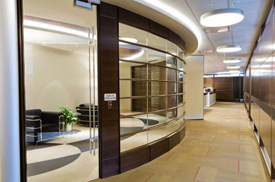 Proyecto oficinas corporativas for Oficinas administrativas planos