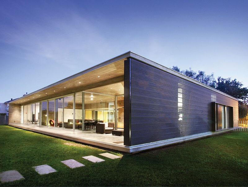 Minimalist One Storey House With Modern Art Ganadores Del Premio Hydro Y Bienal De Arquitectura A La Mejor Fachada