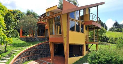 Casas de arquitectura sostenible las casas de los for Casa moderna wagas