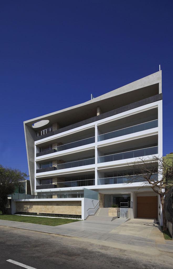 Edificio en los casta os v rtice arquitectos arquimaster for Edificios minimalistas
