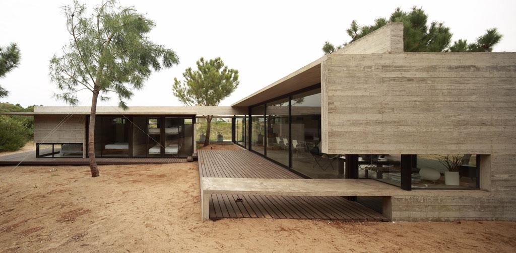 Casa carassale bak arquitectos arquimaster for Casas alargadas