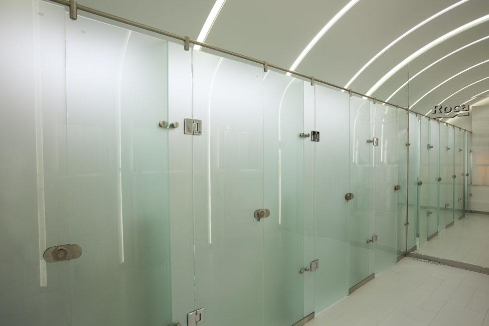 Diseno De Un Baño Publico:Baño Público Damas Roca (Espacio 16 Casa FOA 2014) / Renata Gilli
