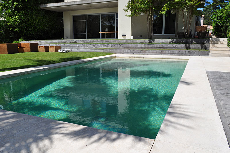 agua de piedra revestimiento premium para piscinas