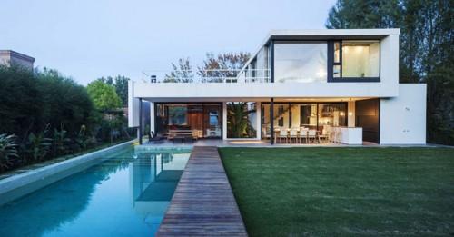 Casa en barrio cerrado arquimaster for Fachadas de casas de barrio