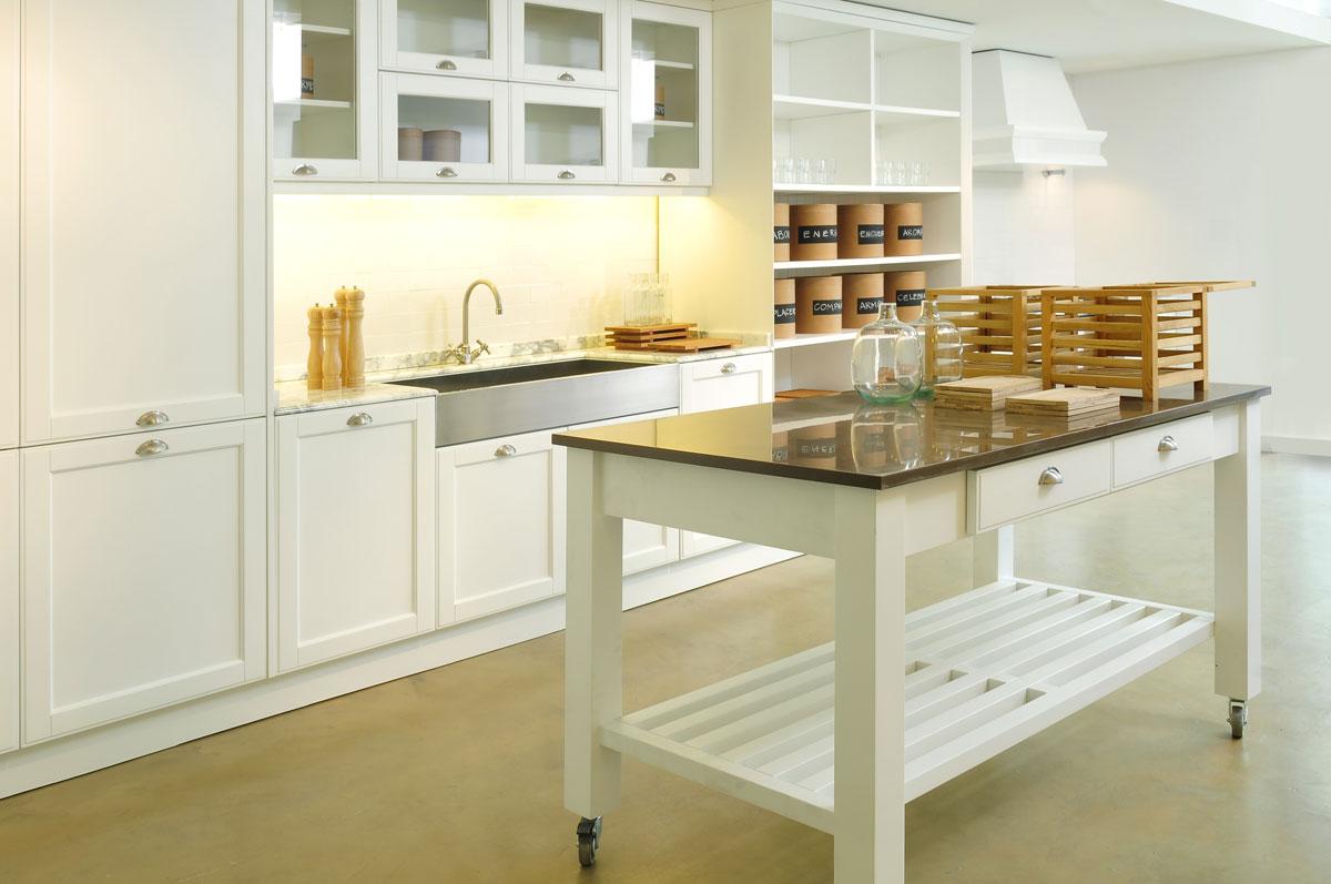 Mesas e islas en las cocinas de hoy arquimaster for Islas de cocina baratas