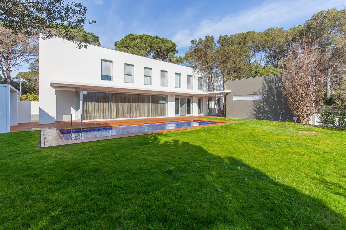 Vivienda en el vall s oriental ylab arquitectos arquimaster - Casas en el valles occidental ...