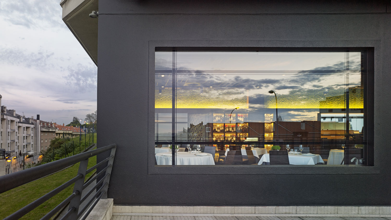 Restaurante angazo unouno arquitectura de interiores for Restaurante arquitectura