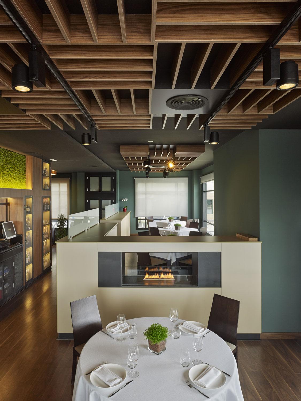 Restaurante angazo unouno arquitectura de interiores for Arquitecta de interiores