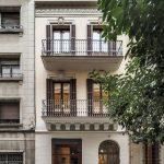 Reforma de edificio de viviendas Vallirana 47 / vora
