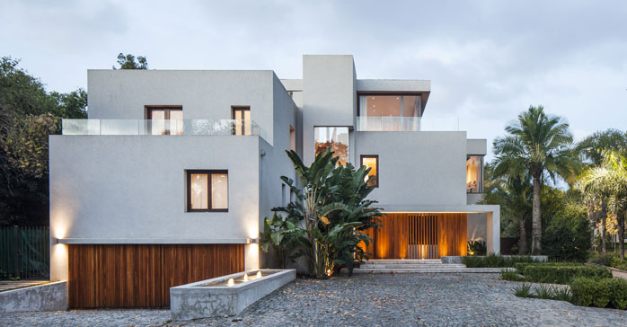 "Carla Bechelli Arquitectos recibe el International Property Award por la obra ""Boating House"""