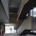 Edificio de oficinas y nave de producción para Power Electronics / Idom