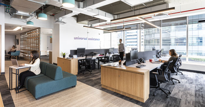 Oficinas de Universal Travel Assistance / Contract Workplaces