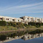 Conjunto de viviendas Lago Escondido Nordelta / Forcinito Arquitectos